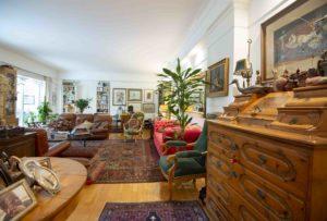Noleggio mobili per set cinematografici Roma